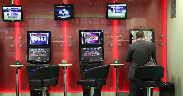 A Few Simple Guidelines To Betting Online